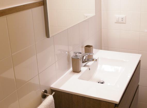 B&B moderno con camere ed appartamenti con bagno privato