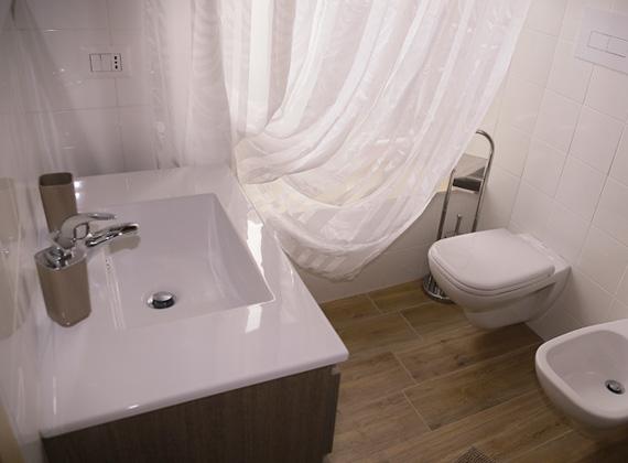 camera con bagno confortevole e moderno