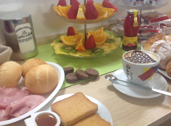 colazione abbondante b&b vicino a Bergamo